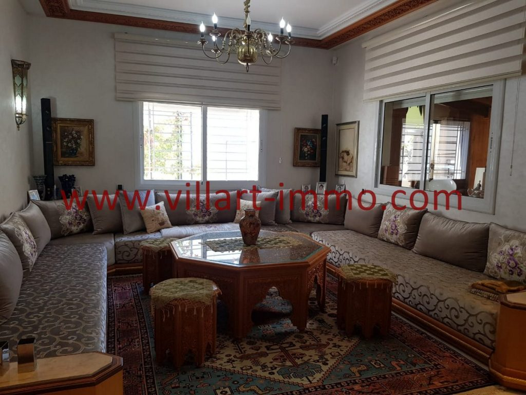 A louer une belle villa meublée à Tanger, Route de Achakar